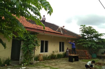 jasa bongkar atap rumah 2020