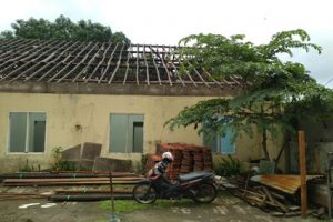 jasa bongkar atap kontruksi kayu 2020